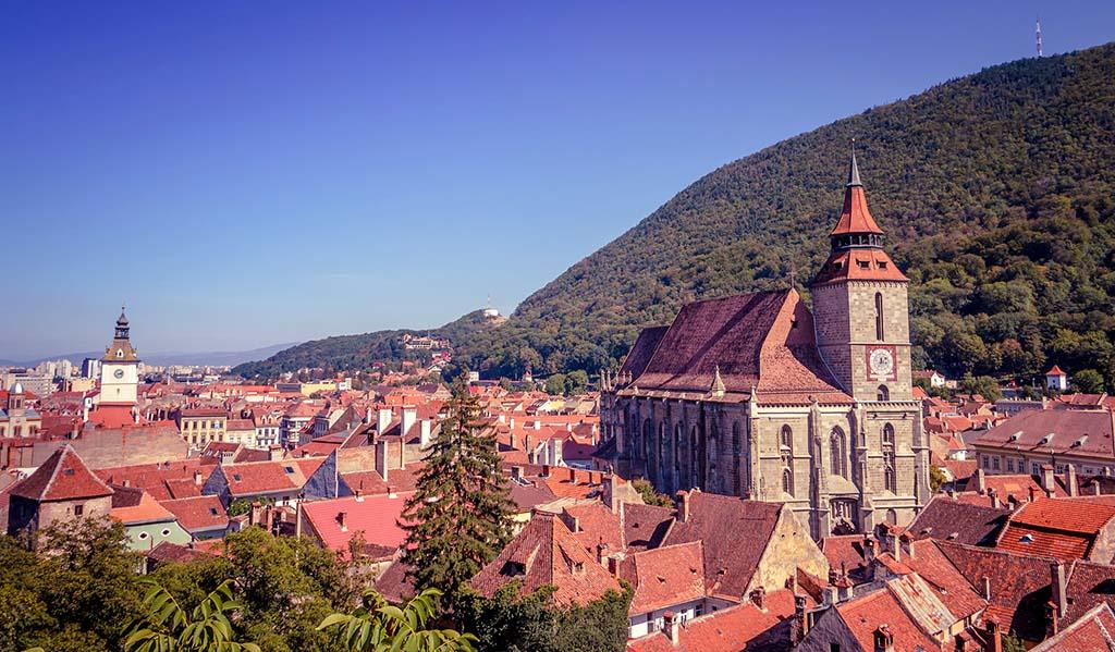 Brasov, jewel of Transylvania. Credits Sorin Mutu, flickr.com/73767885@N00/