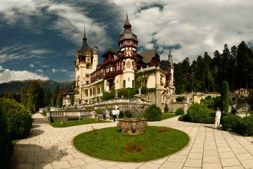Peles Castle. Photo by Adrian Petrisor, www.adrianpetrisor.ro